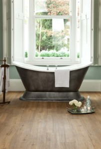 Holzoptik Badezimmer Bodenbelag Designvinyl von Adore im Sortiment von Reinkemeier