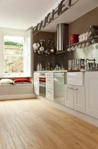 Holzoptik Küche Bodenbelag Designvinyl von Adore im Sortiment von Reinkemeier