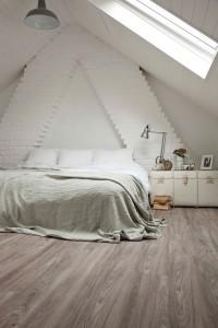 helle Holzoptik Schlafzimmer Bodenbelag Designvinyl von Adore im Sortiment von Reinkemeier