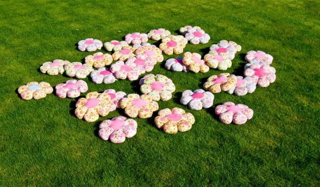 Flower power pillow reinkemeier rietberg trade - Reinkemeier rietberg ...